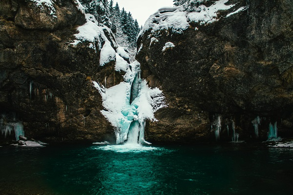 monika-geble-frozen-waterfall-resized